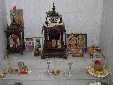 rules   idols  pooja room   place deities