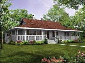 single farmhouse plans 168 best one ranch farmhouses with wrap around porches images on