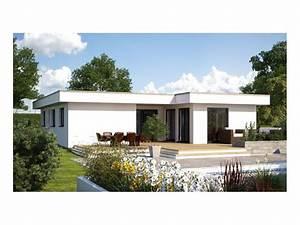 Haus Walmdach Modern : 102 best images about bungalows on pinterest villas ~ Lizthompson.info Haus und Dekorationen