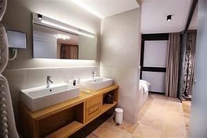 Moderne Waschbecken Bad : waschbecken bad modern awesome inspiration fr moderne badezimmer mit aus holz und indirekter ~ Markanthonyermac.com Haus und Dekorationen
