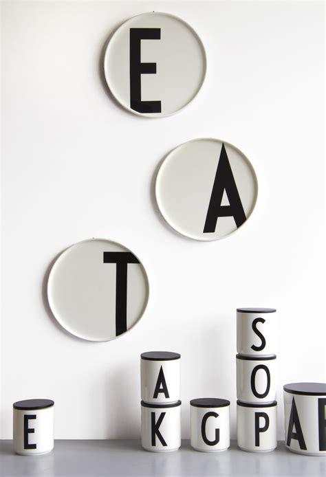 Arne Jacobsen Letters by Design Letters Arne Jacobsen Kuppi Valkoinen A Z