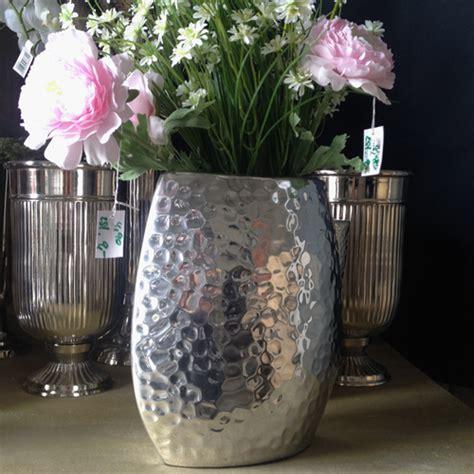 aluminium alu designer vase gehaemmert silber