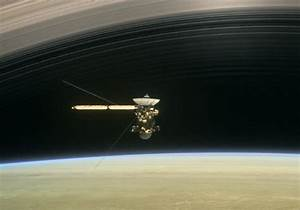 Stunning NASA Video Shows Cassini's First 'Grand Finale ...
