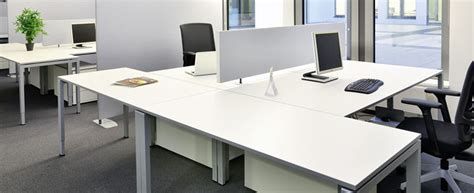 Executive look with white office desk ? BlogBeen