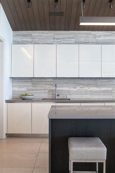 Modern Kitchen Tile Backsplash Ideas by La Senda By Design Interior Modern Kitchen
