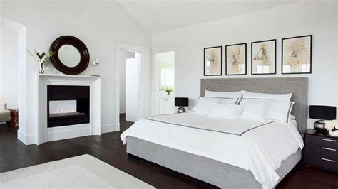 Simple Bedrooms With White Beds