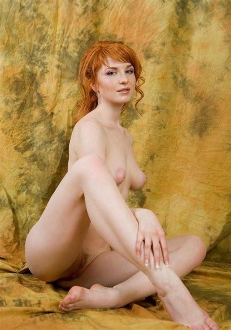 Un Mélange Savoureux de jeunes Femmes Nues Et Très