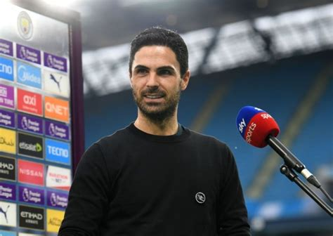 Mikel Arteta issues warning to Arsenal stars ahead of ...