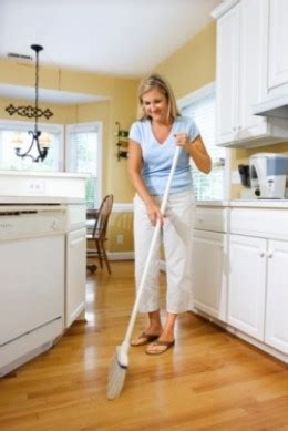 best way to wash kitchen floor what is the best way to clean laminate wood floors 9251