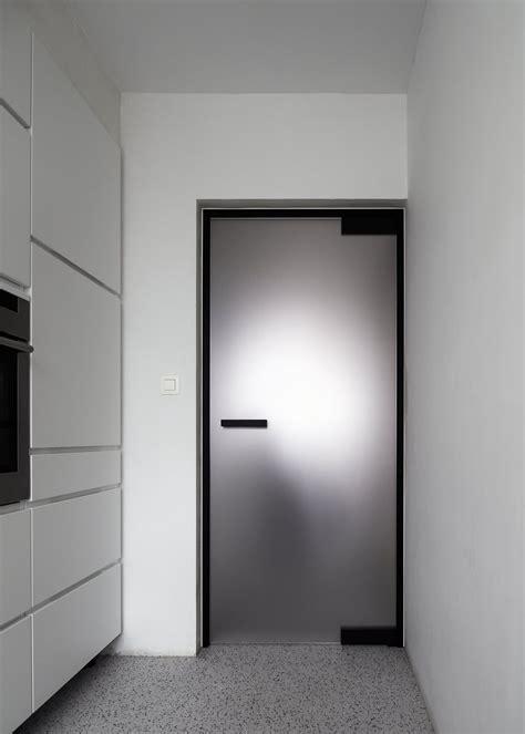 porte vitrée coulissante porte vitr 233 e opaque avec charni 232 res noir portes en 2019