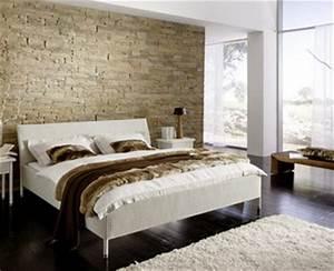 La pietra come testiera del letto Arredativo Design