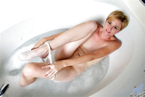Short Haired Blonde Lady Mindy Masturbating Wet Pussy In