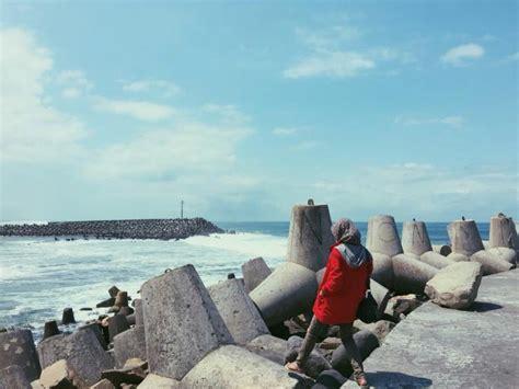 pemecah ombak laguna pantai glagah  kulonprogo