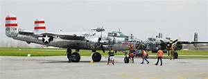 Crowds visit staging of B-25 bombers - Urbana Daily Citizen