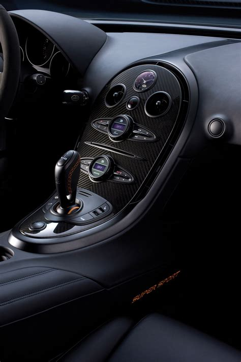 The veyron super sport has 1200 horsepower and goes 258 mph. 2011 Bugatti Veyron Super Sport - Mightier, Engineering Perfection ~ TECHBOLTS