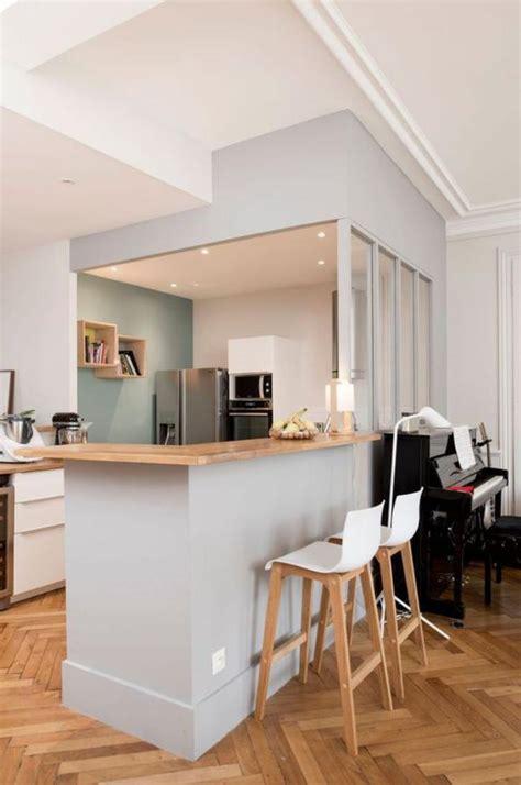 cuisine moderne blanc et bois exemple cuisine avec ilot central 9 cuisine avec bar