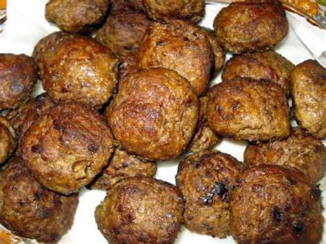 comment cuisiner des boulettes de boeuf recette de boulettes de viande à la sauce tomate