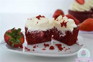 Cupcakes Mit Füllung : miss buttercake red velvet cupcakes mit erdbeerf llung ~ Watch28wear.com Haus und Dekorationen