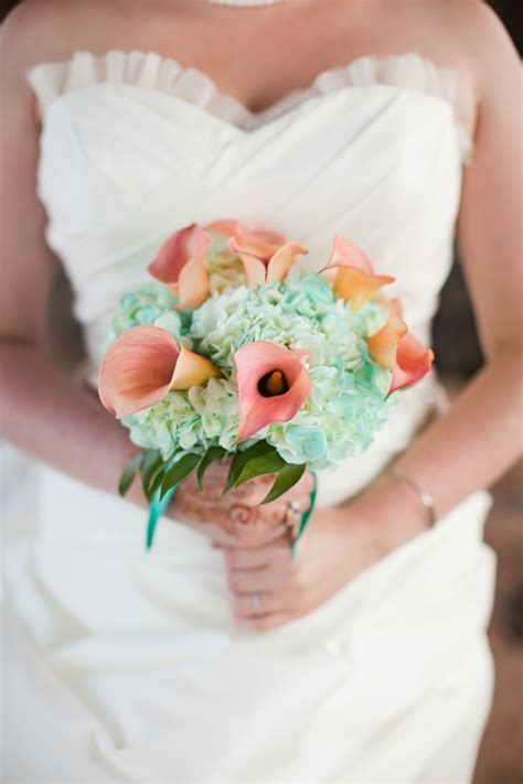 wedding bouquets calla lilies from pastels to vibrant hues 15 most beautiful calla 8498
