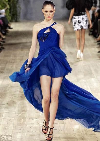 Runway Models Modeling Gifs Moda Giphy Gowns