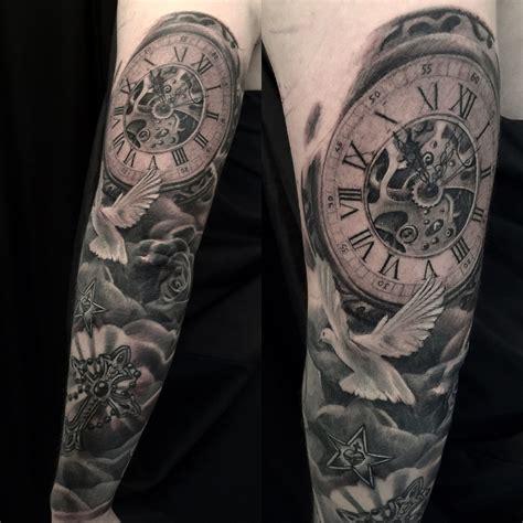 resultat de recherche dimages pour tatouage horloge