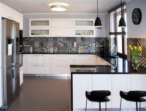 credence cuisine carreau ciment plan de travail cuisine 50 idées de matériaux et couleurs