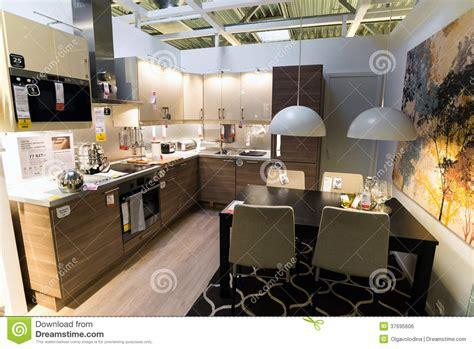 magasins de cuisine cuisine dans le magasin de meubles ikea photo éditorial