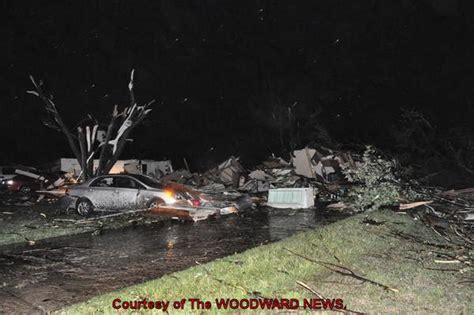 capt spauldings world tornado strikes woodward  early