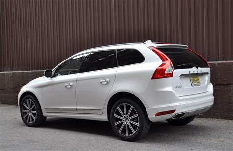 review  volvo xc  awd  truth  cars