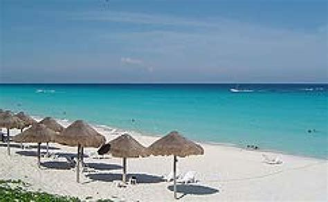 Komentāri par: Meksikas kūrortā Kankūnā slēdz pludmali ...