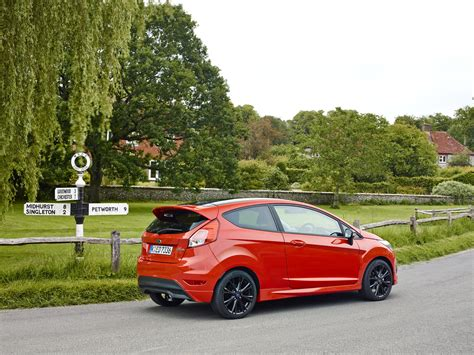 los ford fiesta red edition  black edition lucen ecoboost