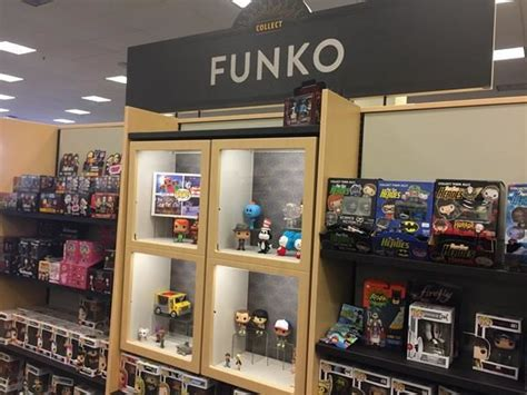 barnes and noble newburgh a look at the barnes and noble trend shops popvinyls