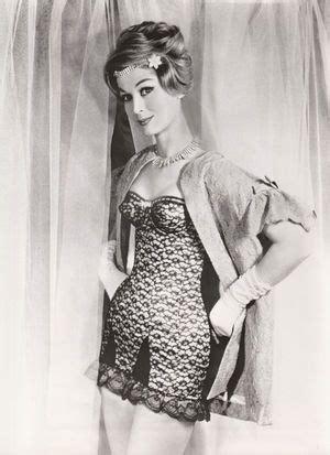 stunning vintage corset lingerie girdle merry widow