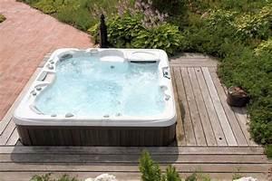 prix d39un jacuzzi et cout d39installation With jacuzzi exterieur sur terrasse