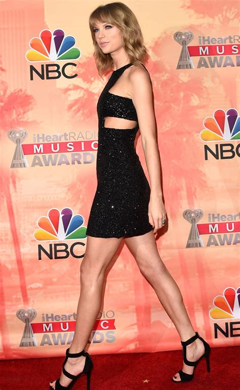 iheartradio  awards prove  taylor swifts