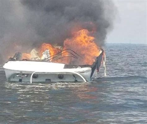 boat catches fire kentucky lake family forced evacuate