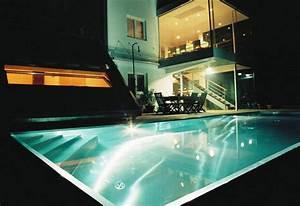 Eclairage Piscine Bois : eclairage de piscine exterieur eclairage de piscine ~ Edinachiropracticcenter.com Idées de Décoration
