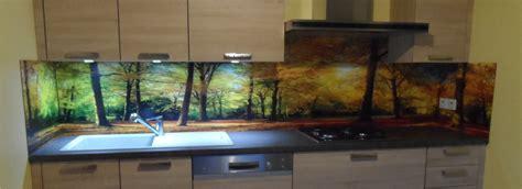 cuisine facile originale crédence déco revêtement mural décoratif pour plan de