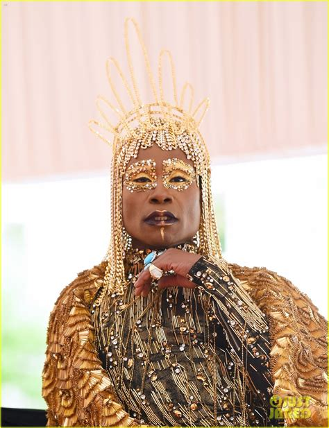 Pose Billy Porter Wears Egyptian Look Carried Six