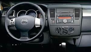 Lanzamiento  Nissan Tiida 2010
