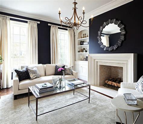 Schwarze Wand Wohnzimmer by Schwarze Wandfarbe Bringt Charme Und Dramatik Ins Innendesign