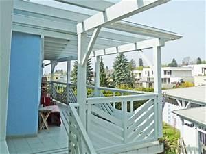 vordach massiv holz mit glasdeckung passend zu ihrem With französischer balkon mit holzbank garten weiß