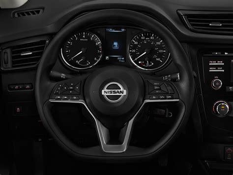 image  nissan rogue fwd  steering wheel size