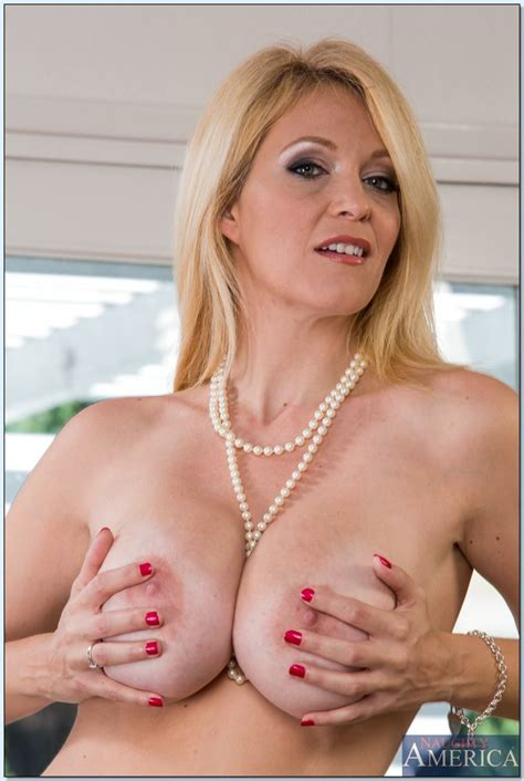 Charlee Chase Is One Classy And Horny Milf Milf Fox