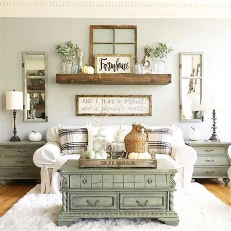Branwood chevron accent wall décor. 43 Simply And Cozy Farmhouse Wall Decor Ideas - ROUNDECOR