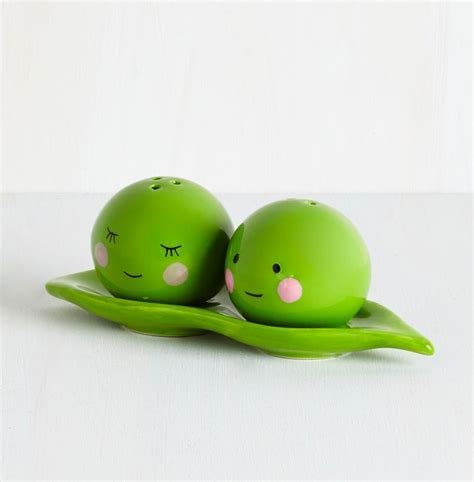50 Unique Salt & Pepper Shakers To Spice Up Your Table