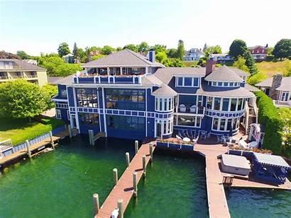 Michigan Charlevoix Mi Boathouse Lake Boat Winns
