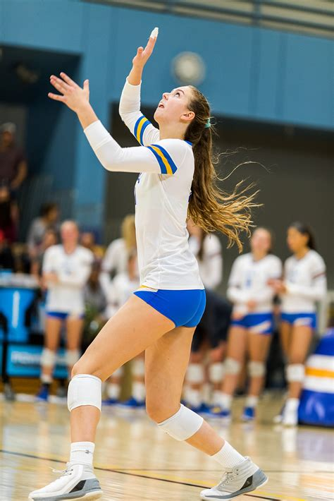 womens volleyball sweeps oregon state  close  set daily bruin