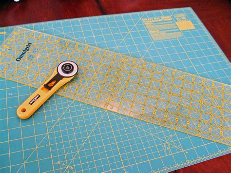 rotary cutting mat let s start at the beginning in stitches