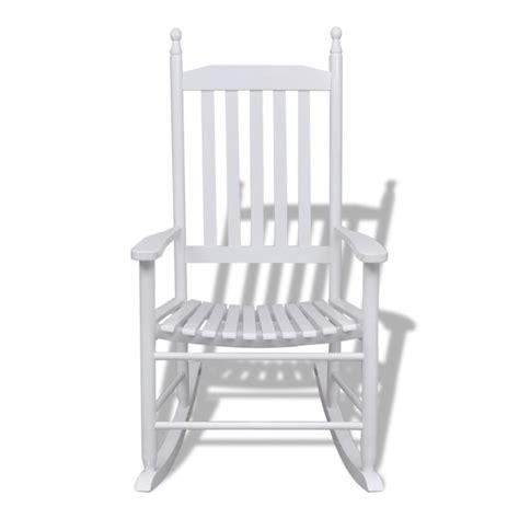 chaise à bascule pas cher acheter fauteuil à bascule blanc bois chaise relaxation